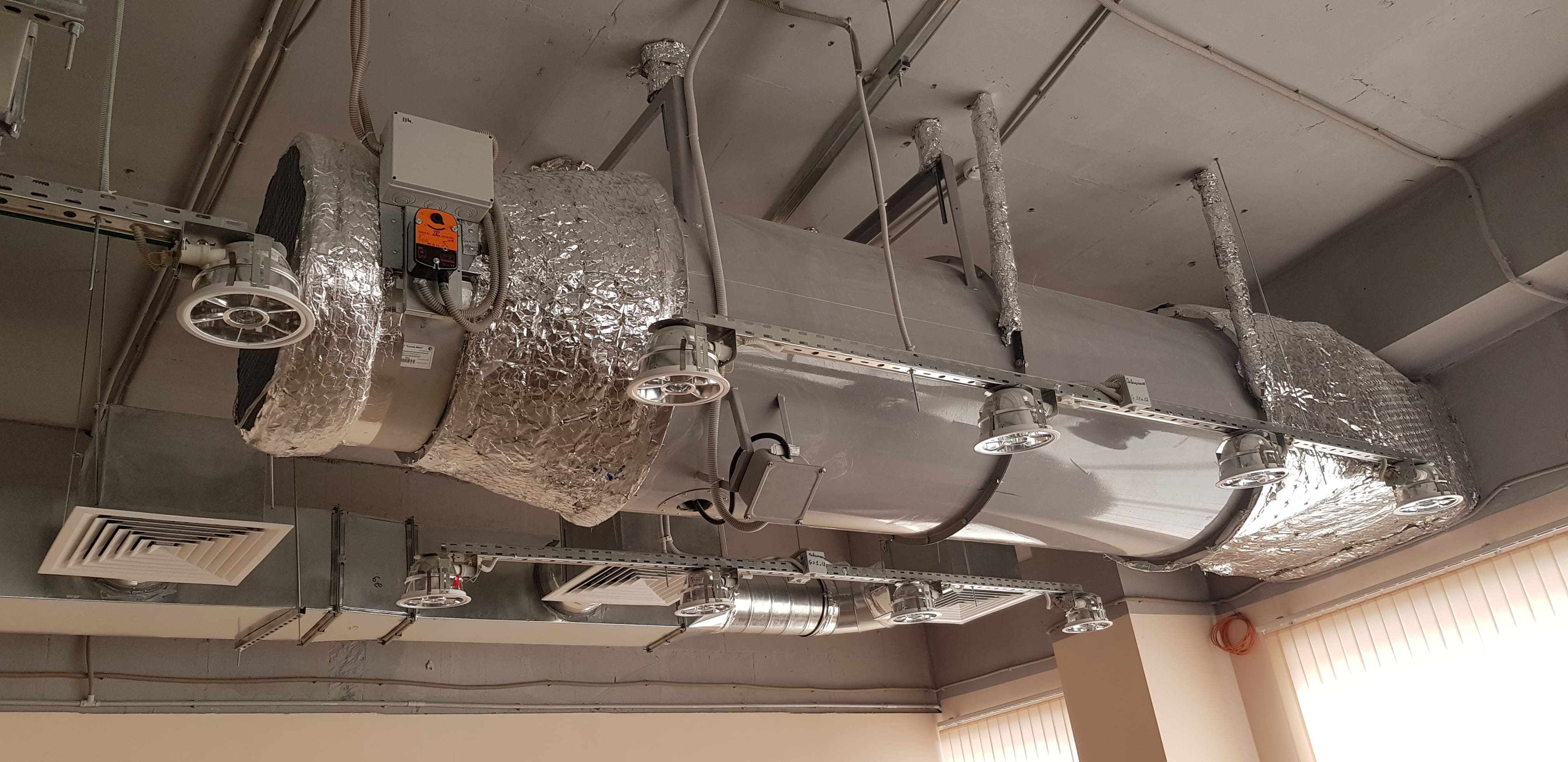 Регулярное обслуживание систем вентиляции - не повод для экономии.