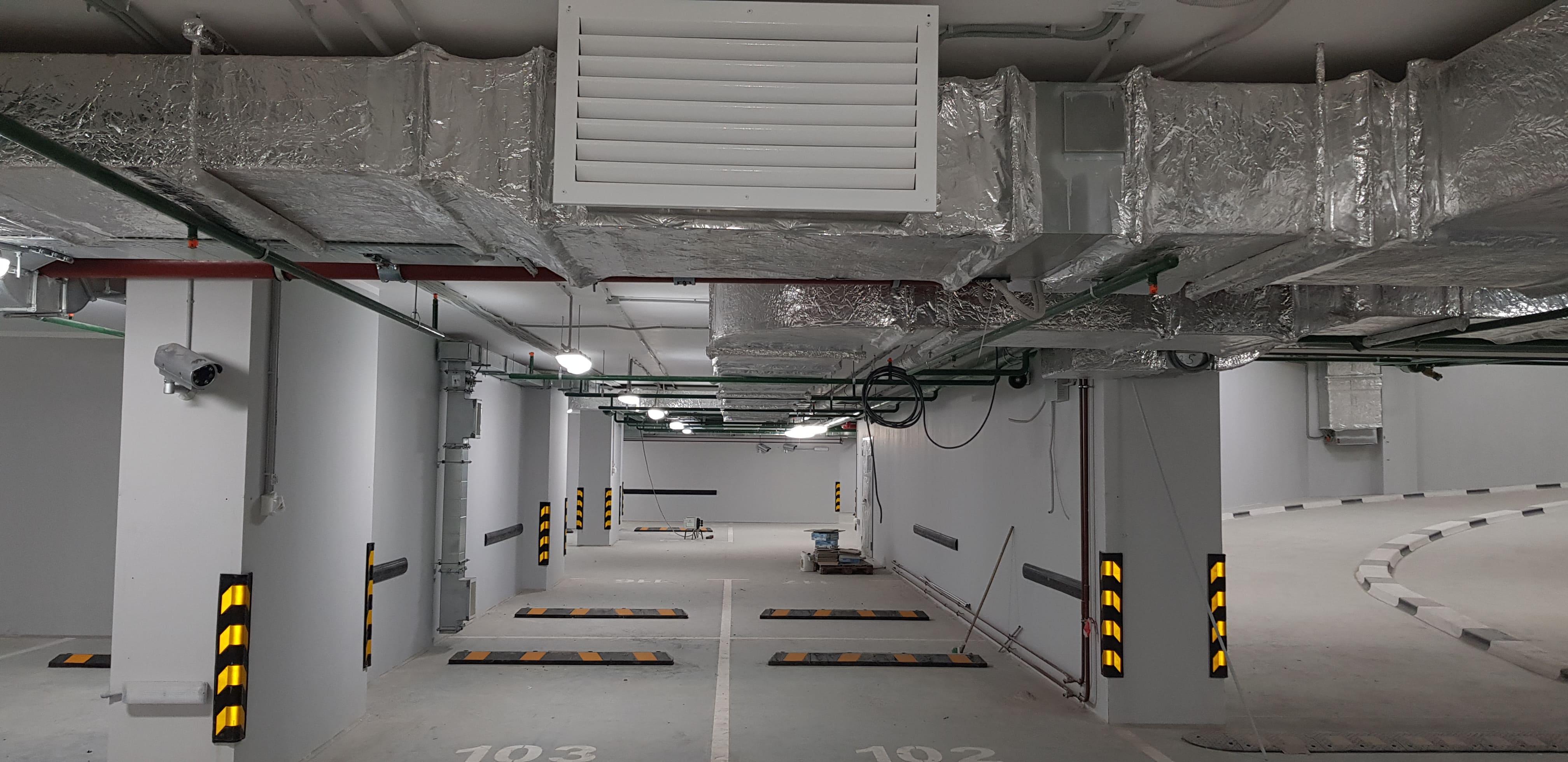 Подземный паркинг хранения автомобилей апарт отель Волга.